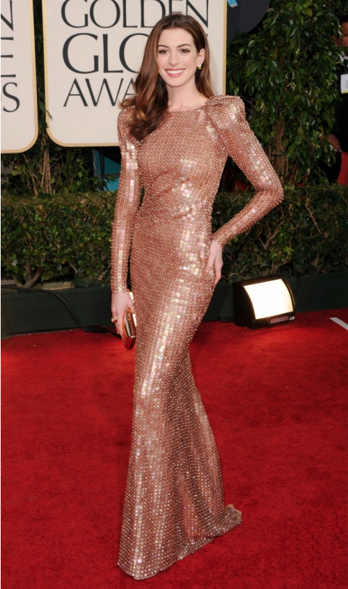 anne hathaway golden globes 2011 hair. At The Golden Globes 2011