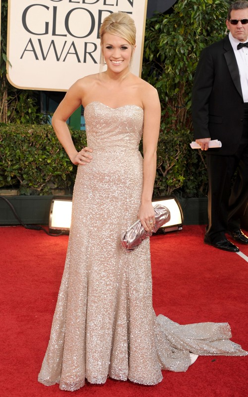 Carrie Underwood looked so sparkly in a Badgley Mischka glittery gown which