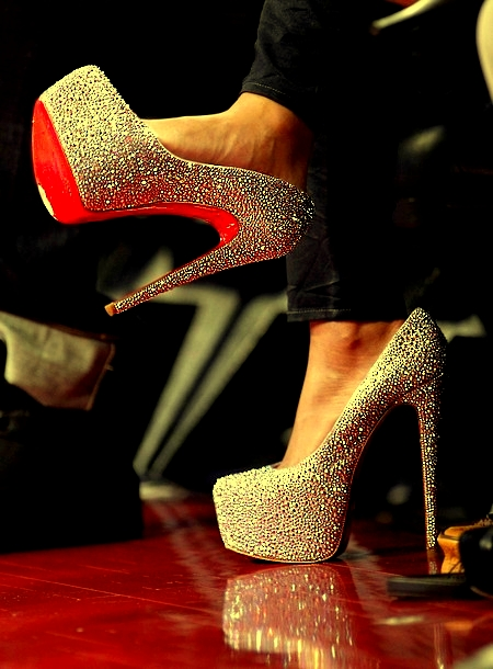 06f73109aeef My Fashion World  Christina Aguilera in Christian Louboutins ...